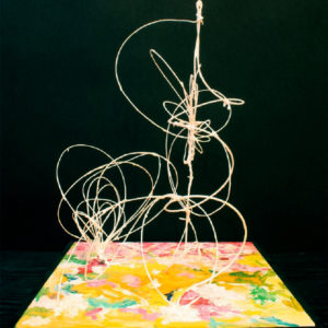S_2017_05 - 32,5 x 35 x 44 cm - Technique : fil de fer peint sur bois, acrylique